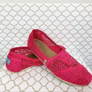 Toms | Raspberry Pink Floral Crochet Slip-Ons